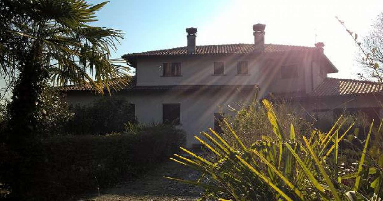 Villa in vendita a Merate, 14 locali, prezzo € 900.000 | CambioCasa.it