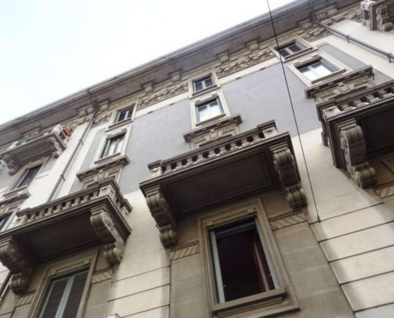 Bilocale Milano Via Porpora 11