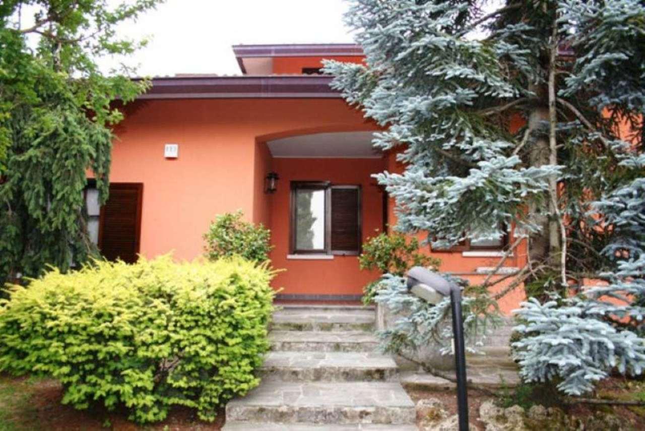 Villa in Vendita a Pantigliate Centro: 5 locali, 480 mq