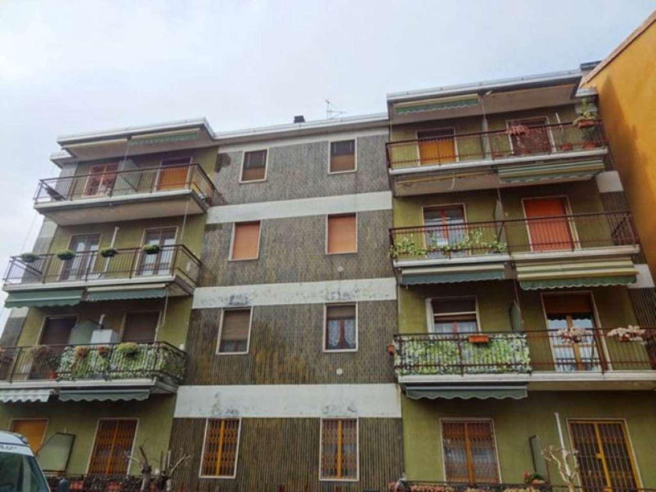 Bilocale Milano Via Degli Umiliati 1