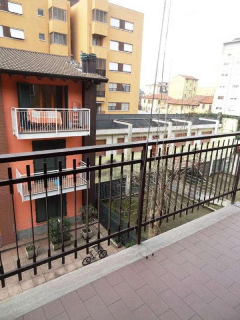 Bilocale Milano Via Degli Umiliati 13