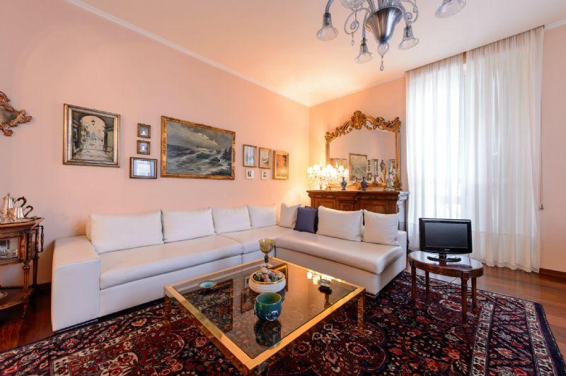 Appartamento in Vendita a Milano 08 Vercelli / Magenta / Cadorna / Washington: 3 locali, 144 mq