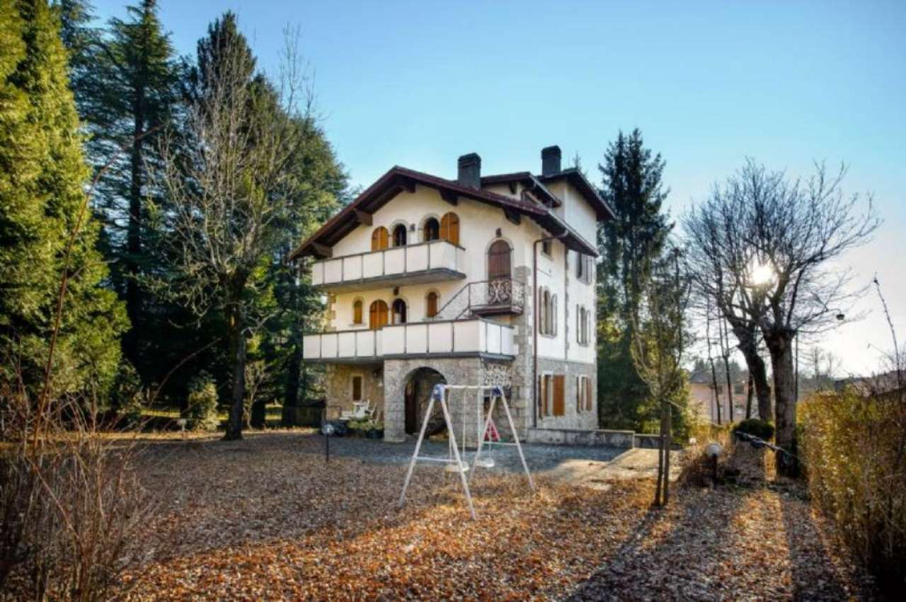 Villa in Vendita a Castione Della Presolana Centro: 5 locali, 500 mq