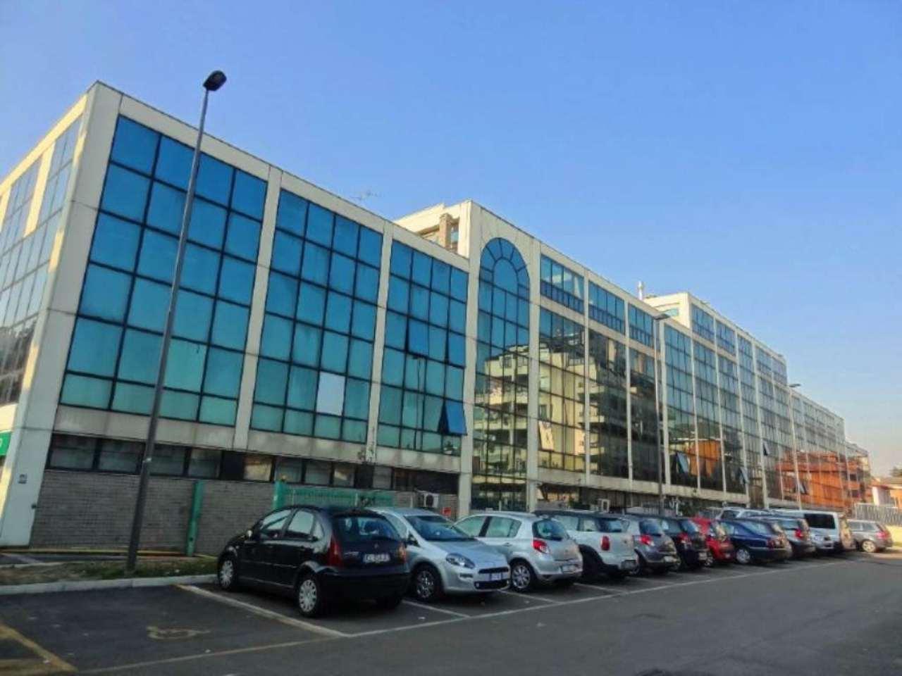 Ufficio-studio in Vendita a Bresso Centro: 360 mq