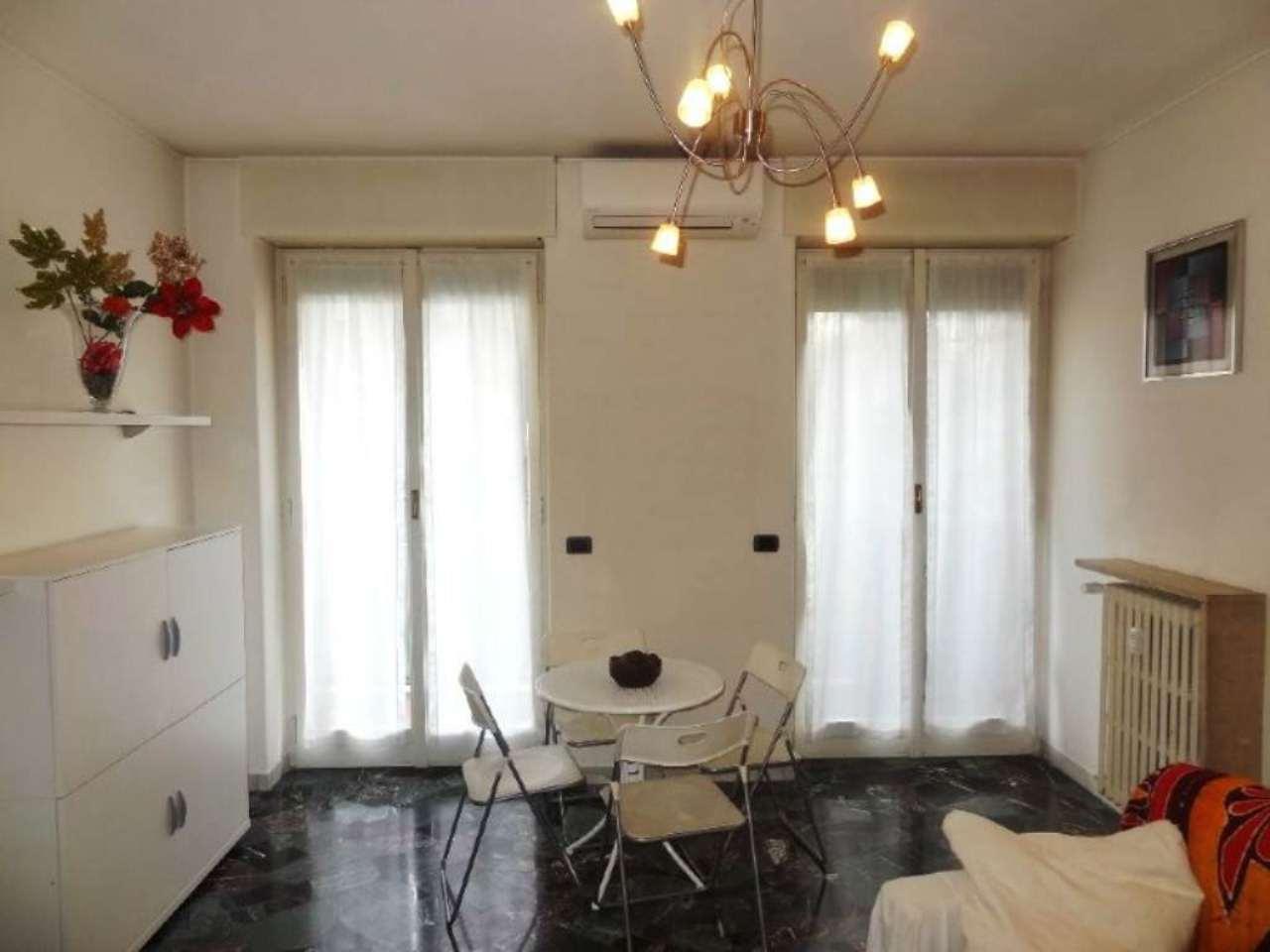 Bilocale Milano Via Andrea Doria 4