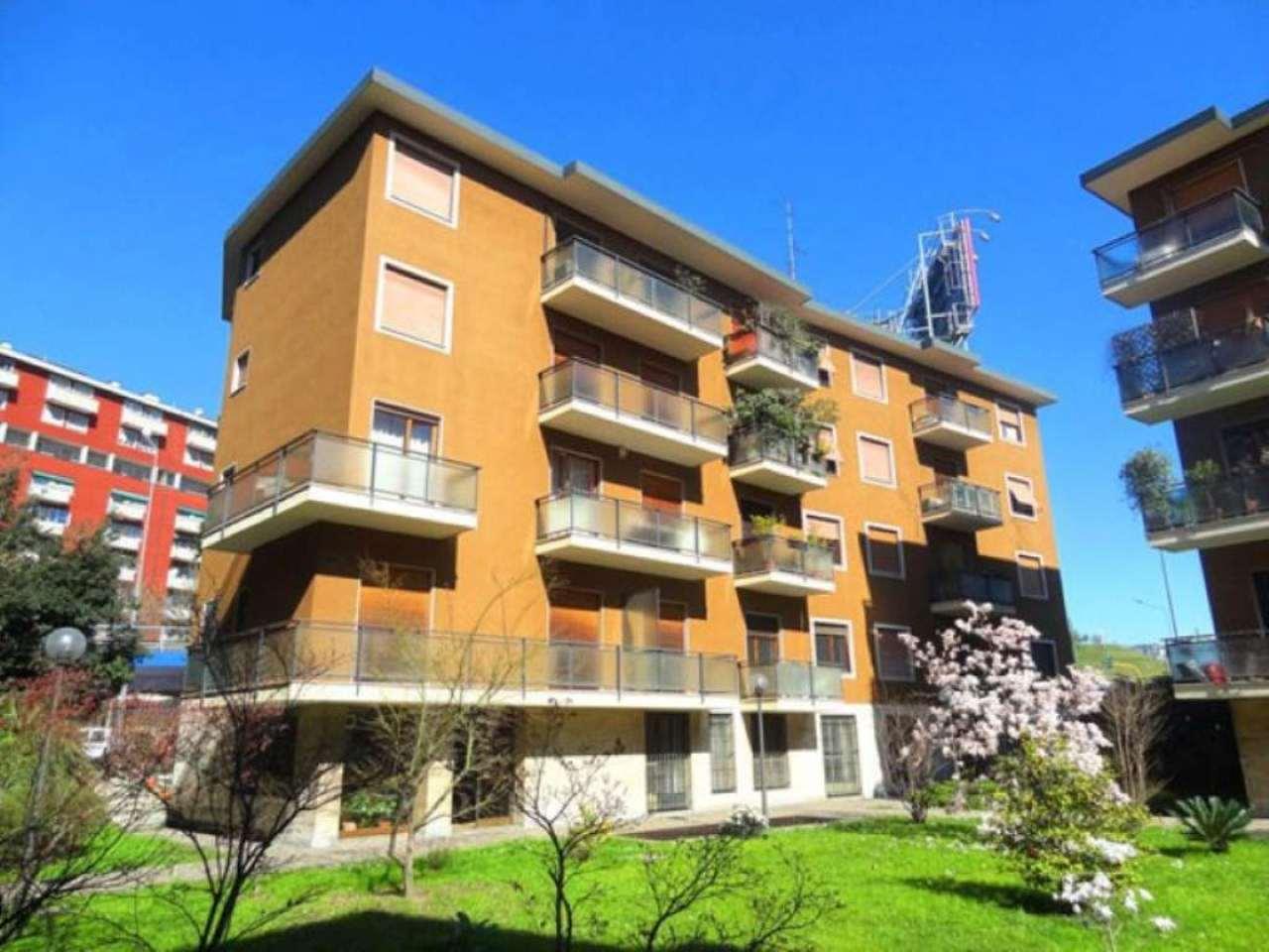 Bilocale Milano Viale Renato Serra 1