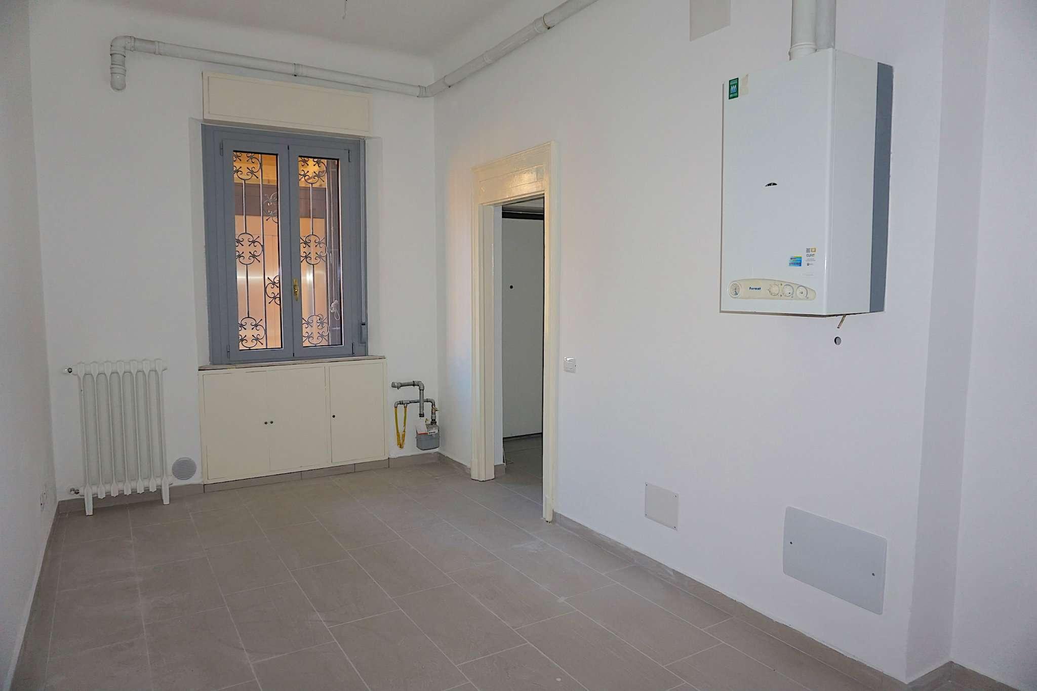 Bilocale Milano Via Porpora 12