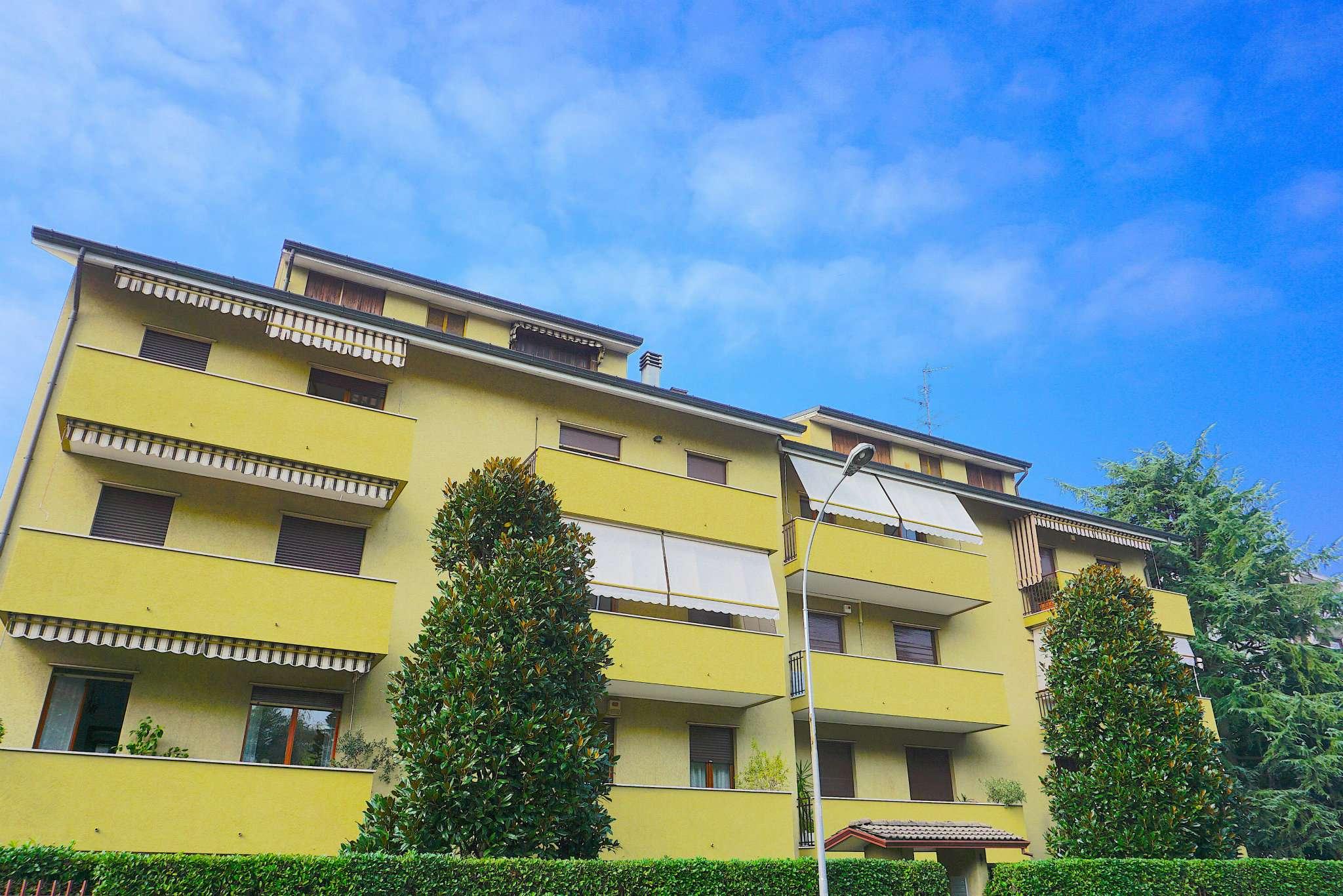 Appartamento in Vendita a Monza: 3 locali, 85 mq
