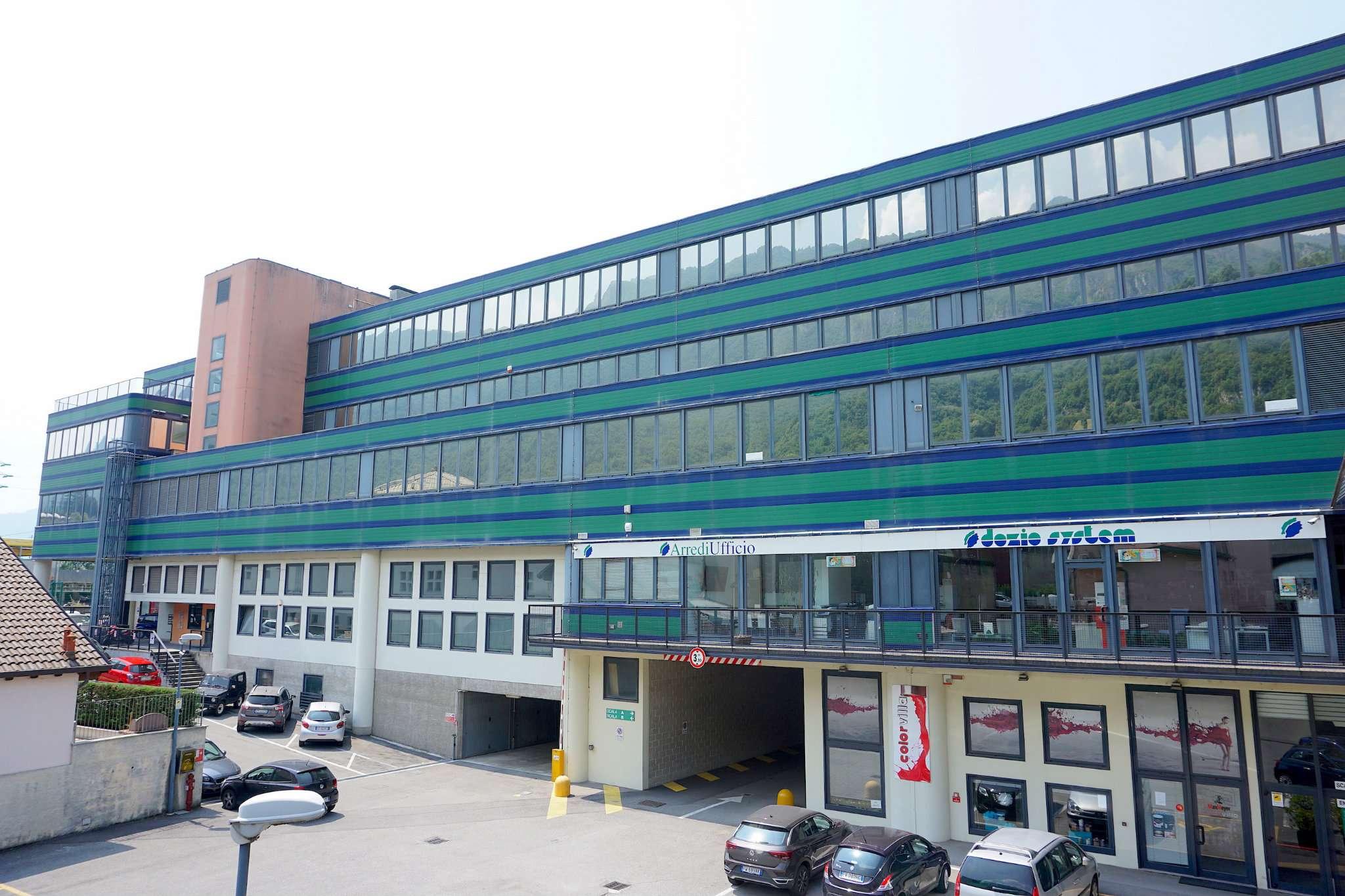 Ufficio-studio in Vendita a Lecco: 4 locali, 150 mq
