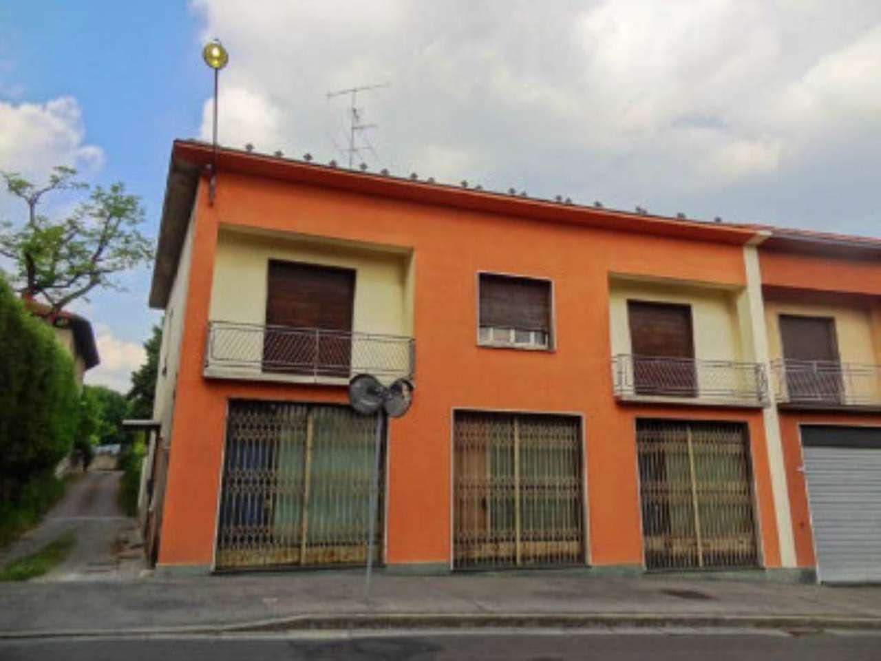 Casa indipendente in Vendita a Cantu' Centro: 5 locali, 500 mq