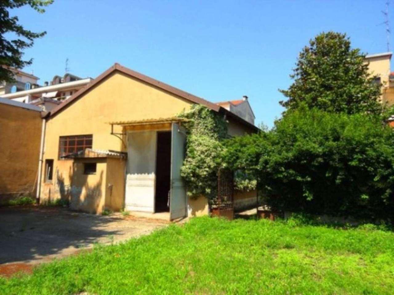 Terreno residenziale in Vendita a Milano 20 Bicocca / Crescenzago / Cimiano: 1450 mq