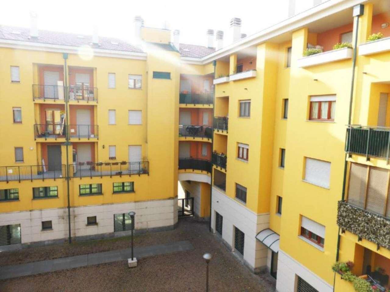 Bilocale Milano Via Serrati Menotti 6