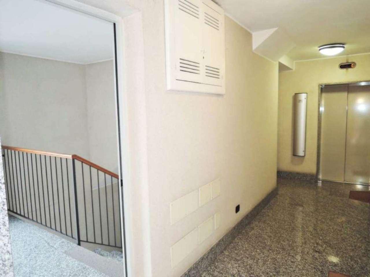 Bilocale Milano Via Fratelli Bozzi 10