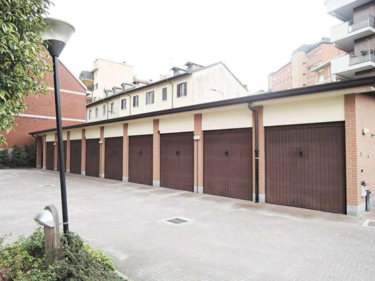 Bilocale Milano Via Fratelli Bozzi 9