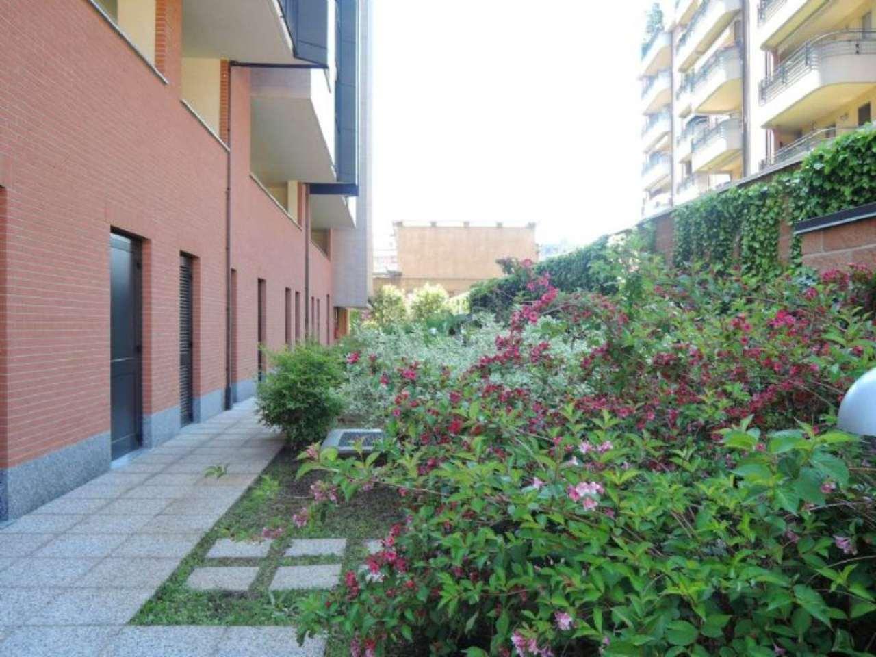 Bilocale Milano Via Oriani B 3