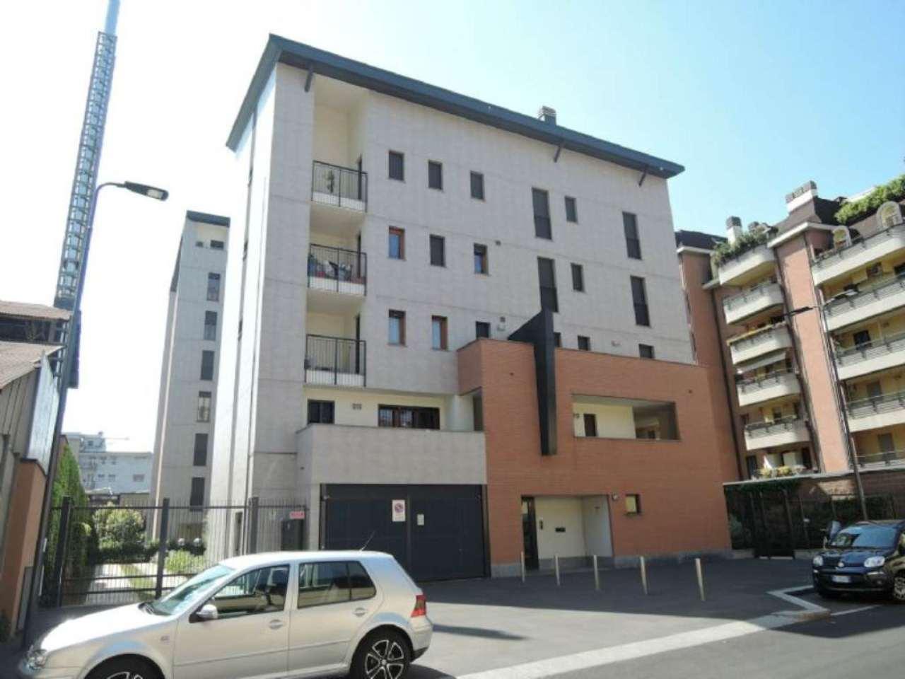 Bilocale Milano Via Oriani B 1