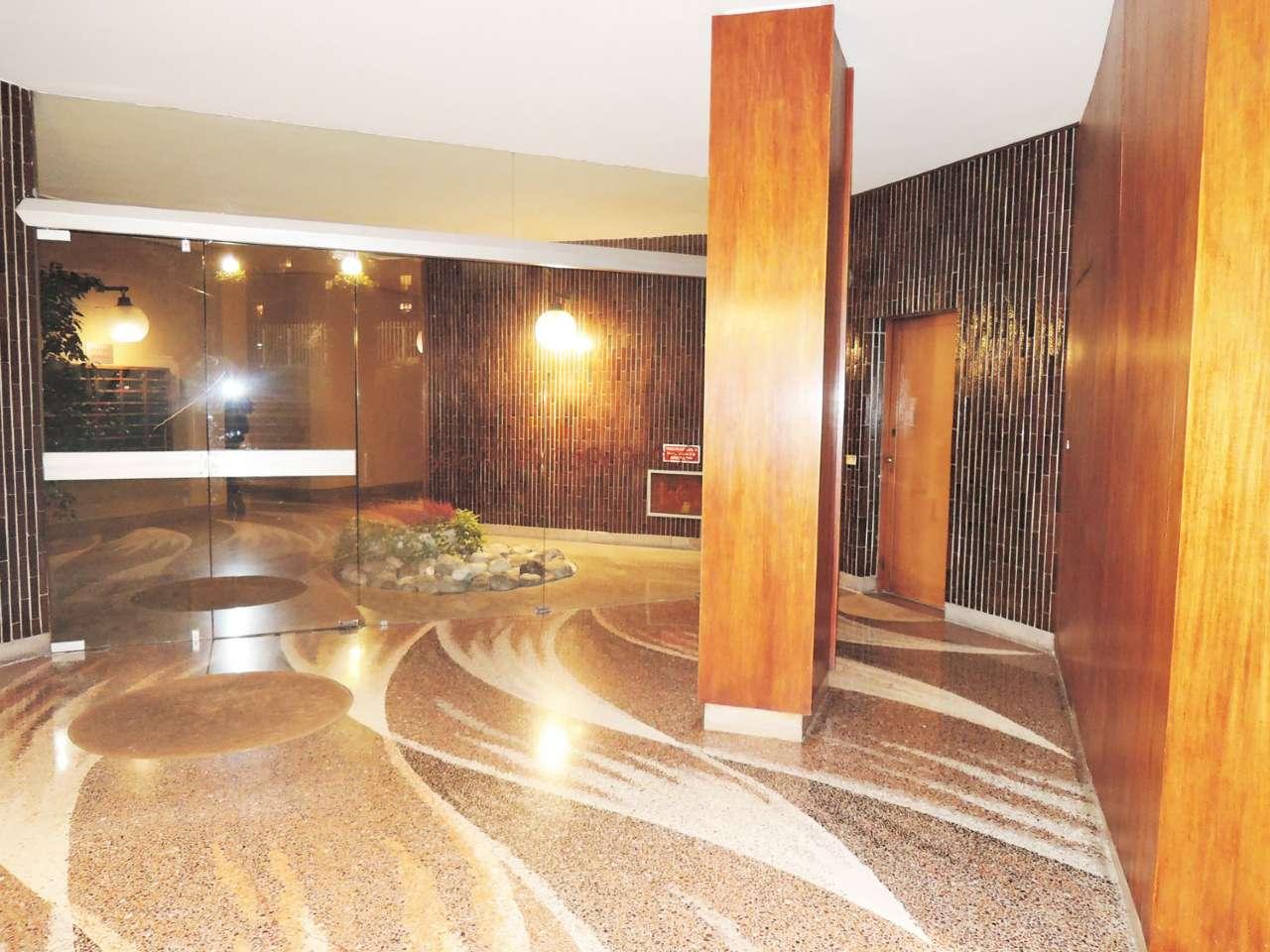 Appartamento in vendita a Milano, 5 locali, zona Zona: 11 . Barona, Giambellino, Lorenteggio, Famagosta, prezzo € 690.000 | Cambio Casa.it