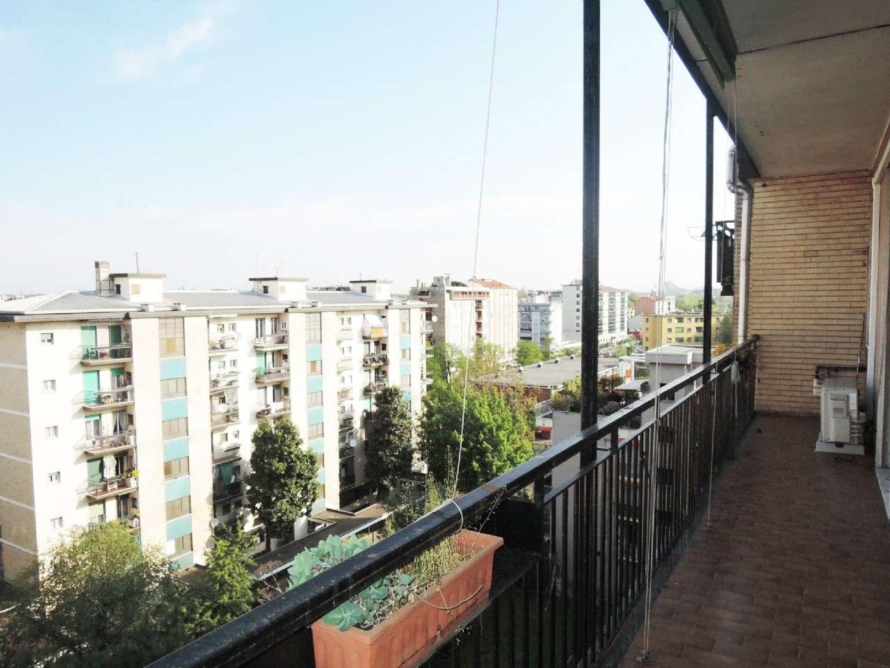 Appartamento in vendita a Milano, 3 locali, zona Zona: 14 . Lotto, Novara, San Siro, QT8 , Montestella, Rembrandt, prezzo € 205.000 | Cambio Casa.it