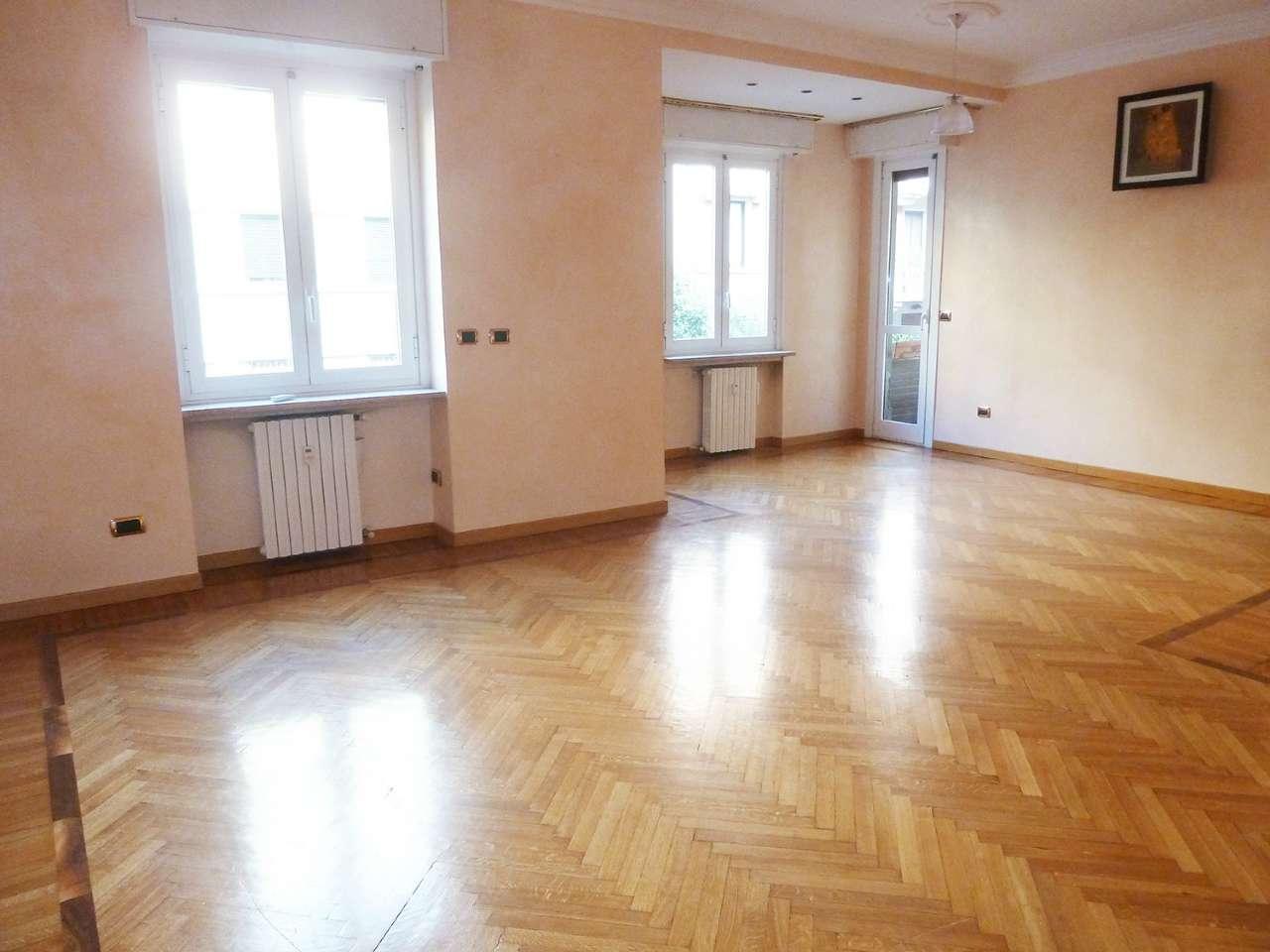Appartamento in Vendita a Milano 17 Marghera / Wagner / Fiera: 4 locali, 155 mq