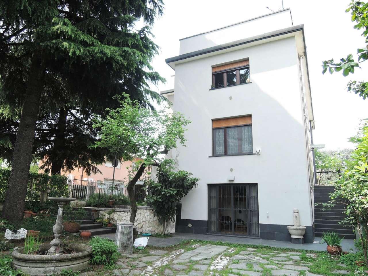 Appartamento in Vendita a Milano 18 Ippodromo / San Siro / Zavattari:  4 locali, 240 mq  - Foto 1