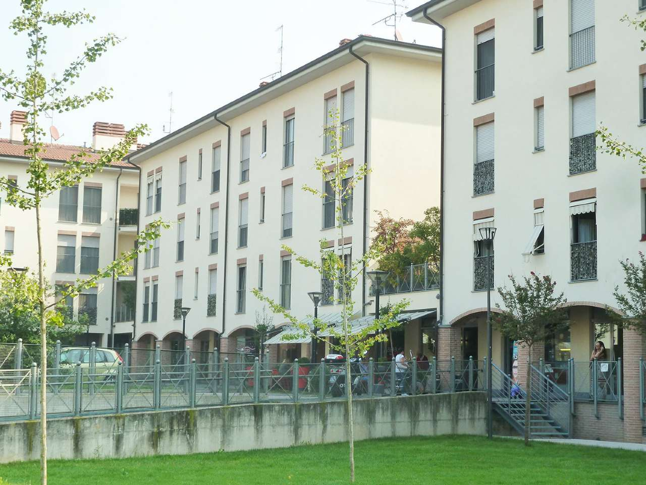 Appartamento in Vendita a Cesano Boscone: 3 locali, 110 mq