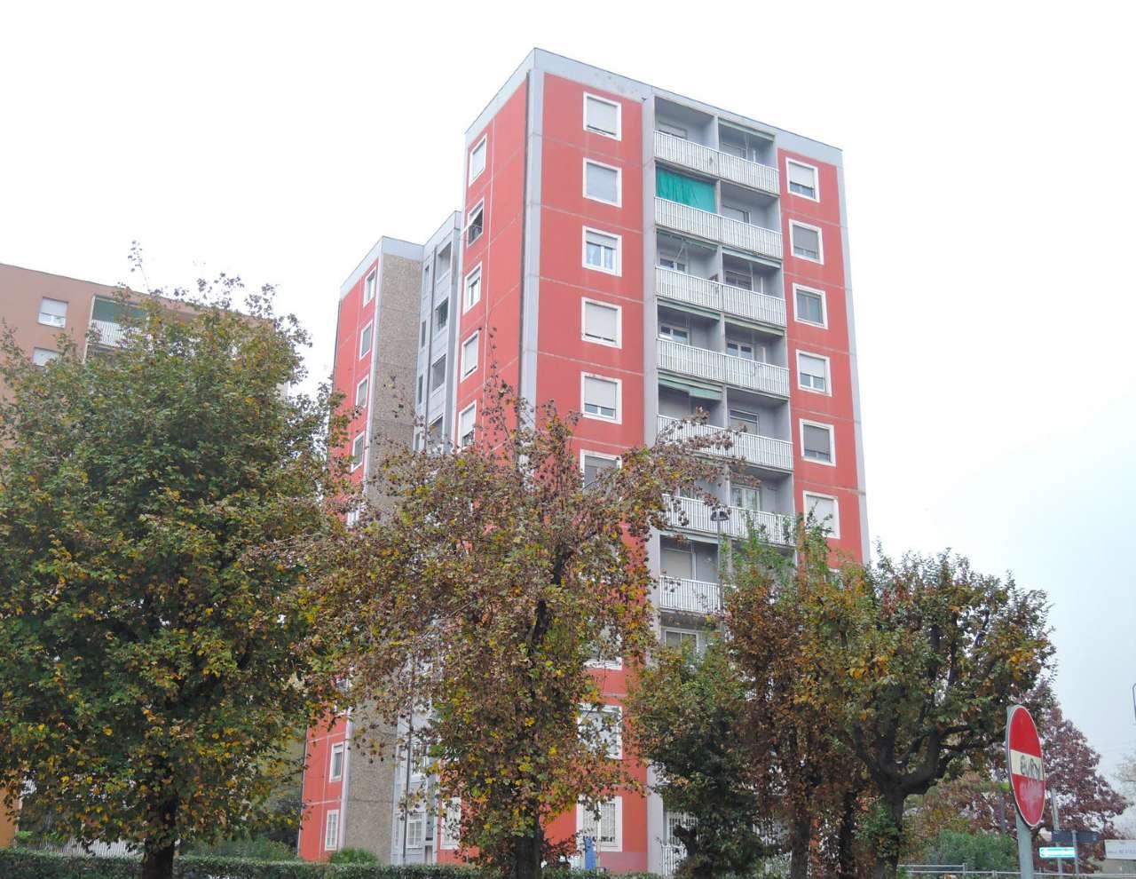 Appartamento in Vendita a Milano 27 Baggio / Novara / Forze Armate: 3 locali, 88 mq