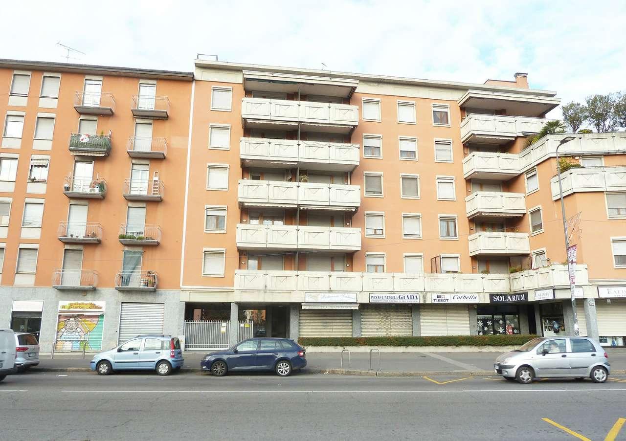 Magazzino in Vendita a Milano 27 Baggio / Novara / Forze Armate: 1 locali, 70 mq