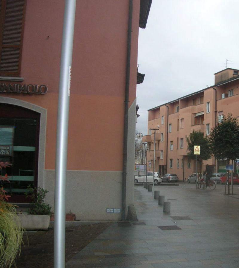 Ufficio / Studio in affitto a Bernareggio, 8 locali, prezzo € 800 | CambioCasa.it