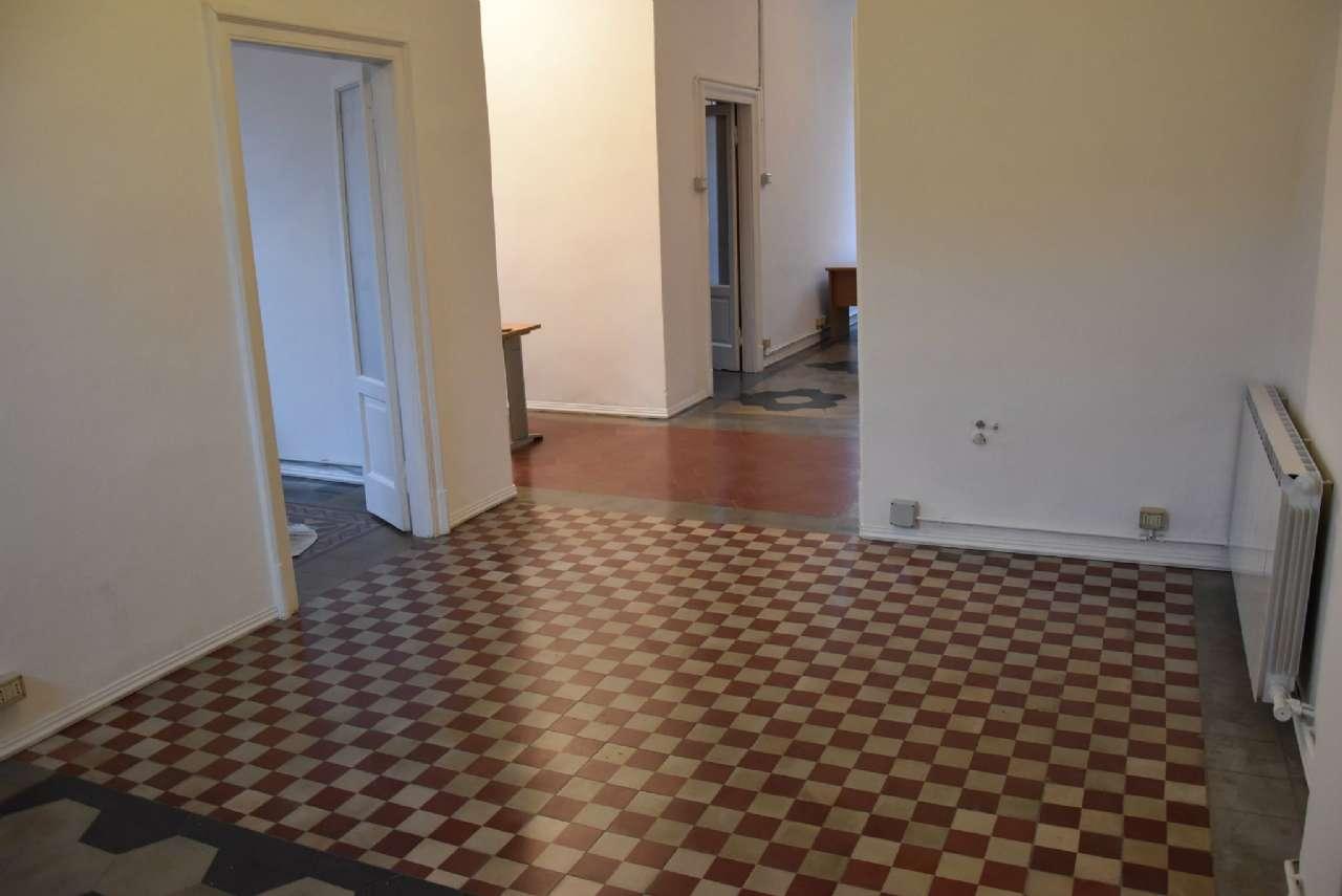 Laboratorio in affitto a Milano, 4 locali, zona Zona: 9 . Chiesa Rossa, Cermenate, Ripamonti, Missaglia, Gratosoglio, prezzo € 833   Cambio Casa.it