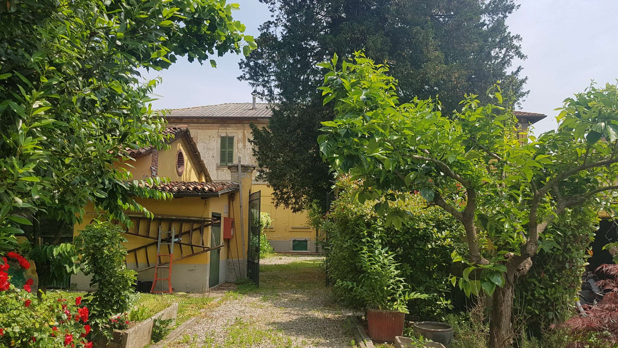 Milano Vendita CASALE / RUSTICO / CASA / CASCINA