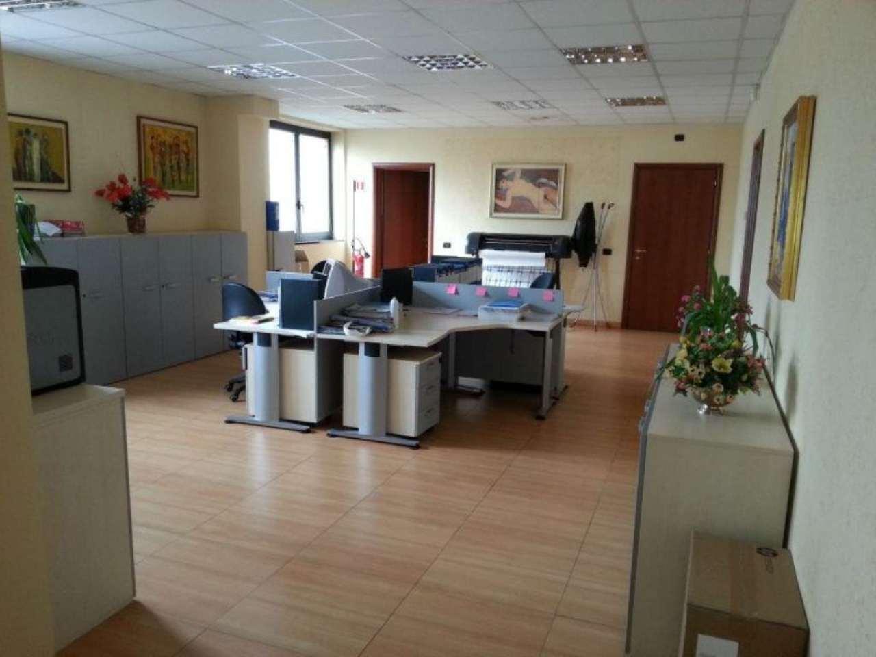 Ufficio / Studio in Vendita a Pero