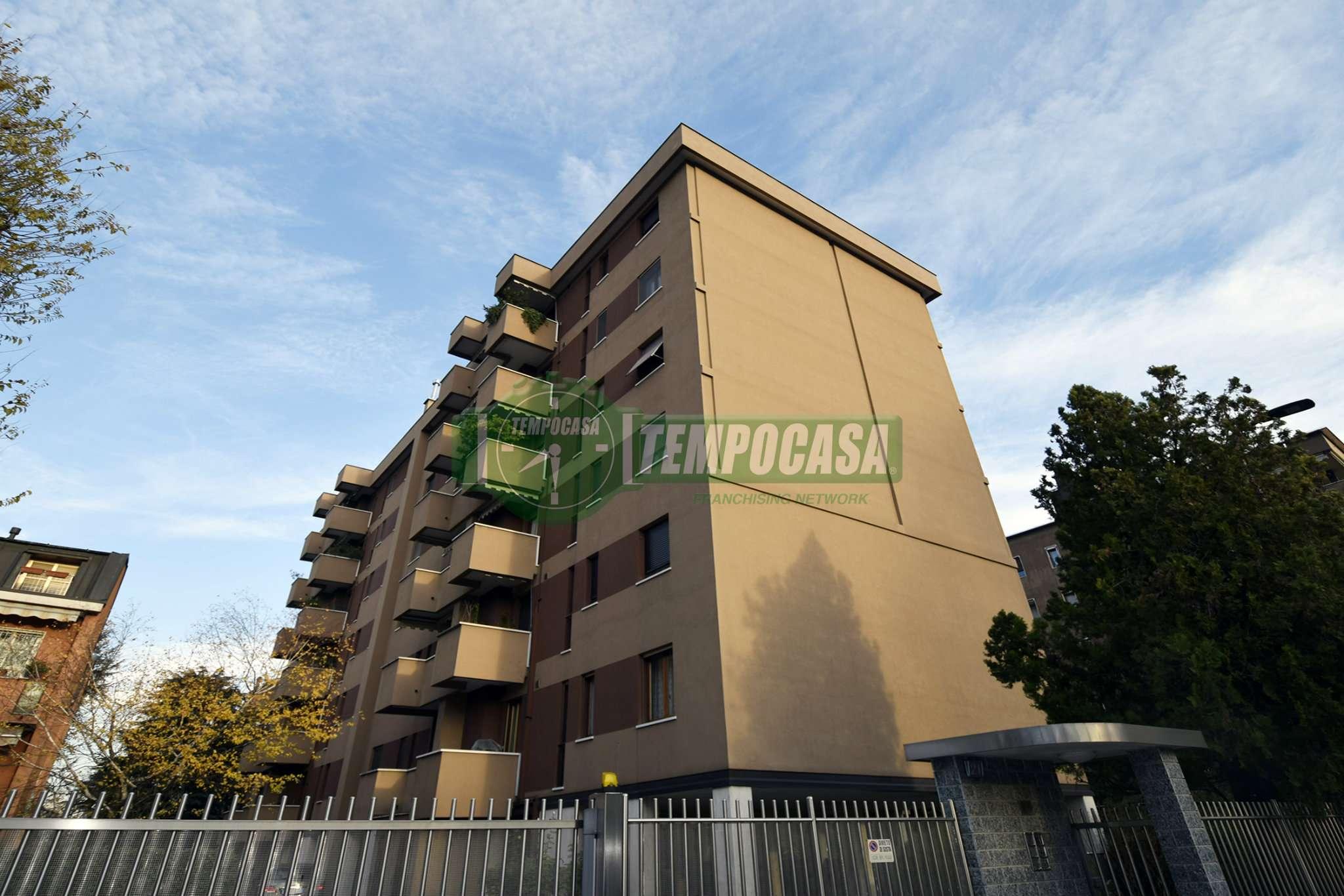 Appartamento in vendita 4 vani 125 mq.  via via Dei Bognetti 21 Milano