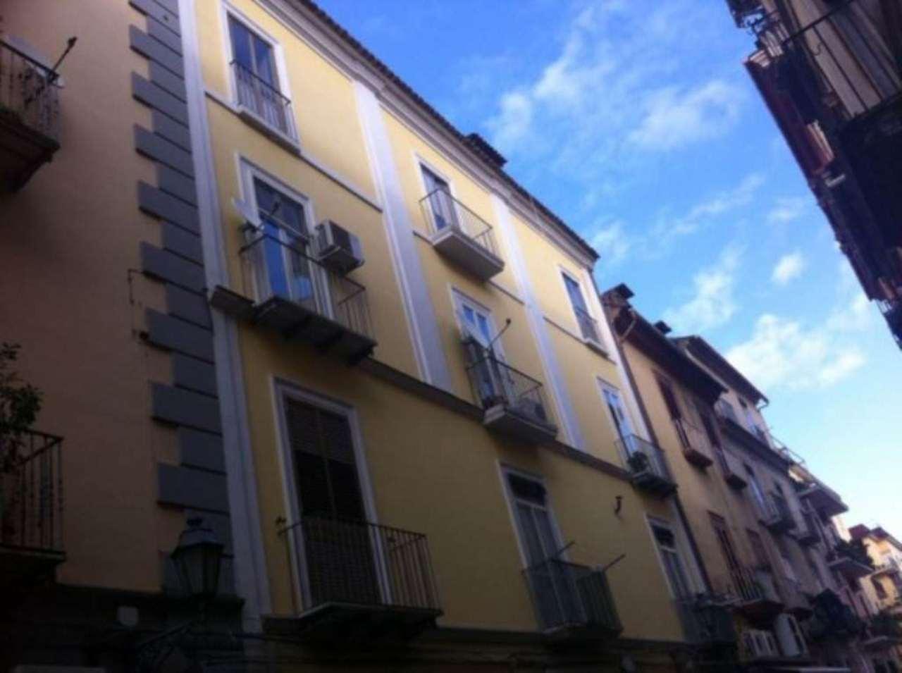 Appartamento in vendita a Caserta, 6 locali, prezzo € 380.000 | Cambio Casa.it