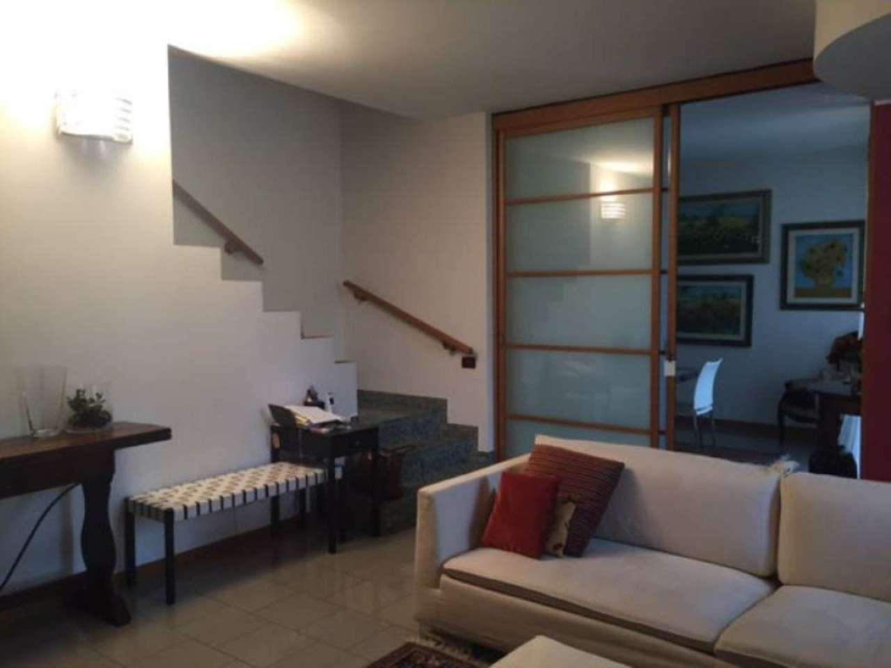 Villa a Schiera in Affitto a Senago