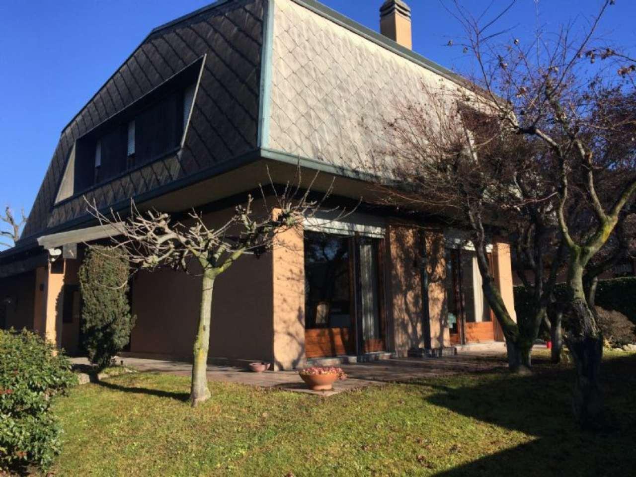 Villa in vendita a Arese, 5 locali, prezzo € 548.000 | Cambio Casa.it