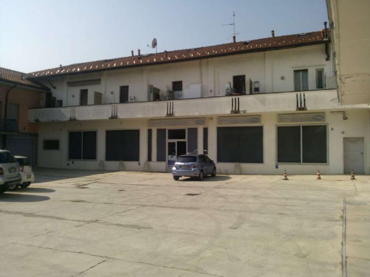 Ufficio / Studio in affitto a Cesano Maderno, 3 locali, prezzo € 2.000 | CambioCasa.it