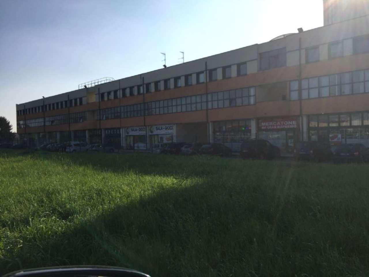 Ufficio / Studio in affitto a Magenta, 2 locali, prezzo € 600 | CambioCasa.it