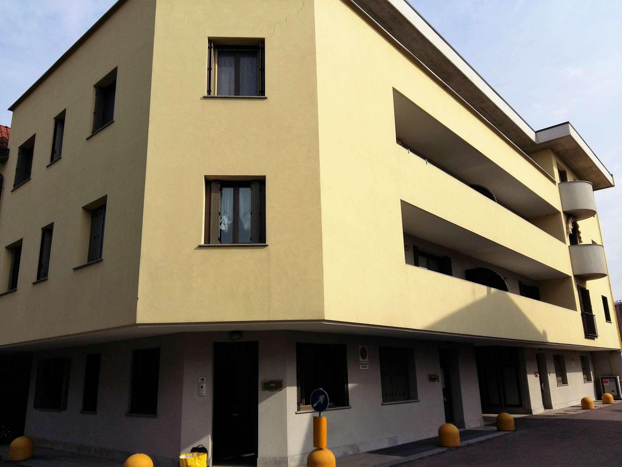 Ufficio / Studio in affitto a Garbagnate Milanese, 2 locali, prezzo € 600   CambioCasa.it
