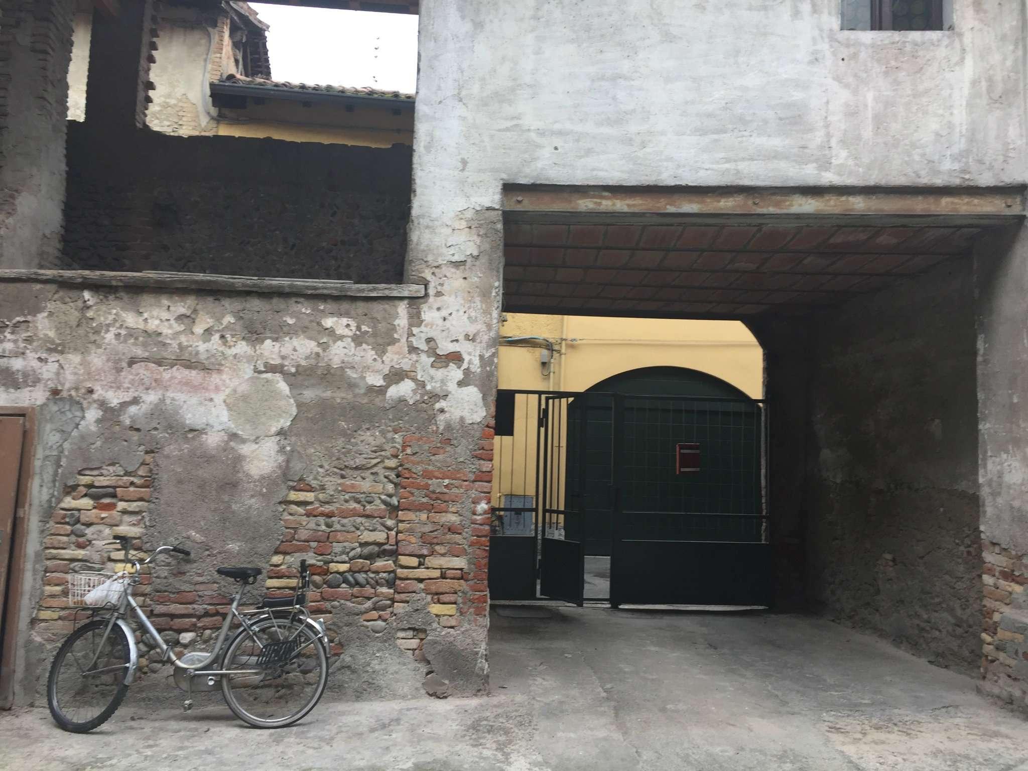 Soluzione Semindipendente in vendita a Rivolta d'Adda, 9999 locali, prezzo € 100.000 | CambioCasa.it