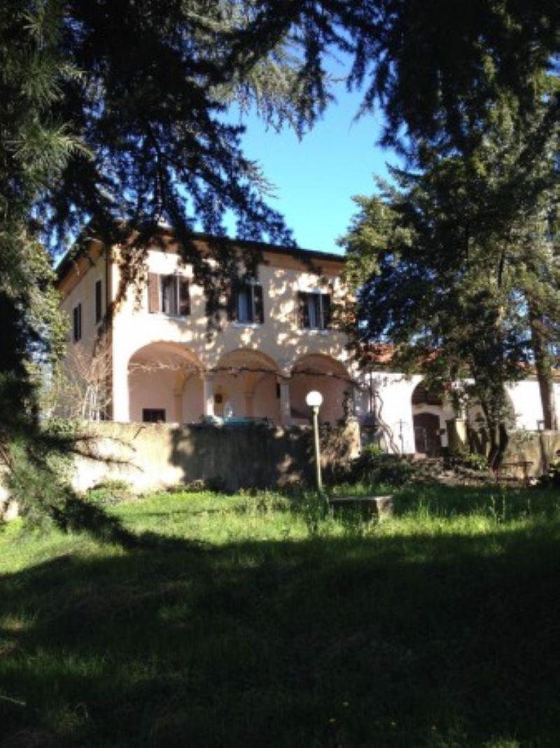 Villa in Vendita a Besnate