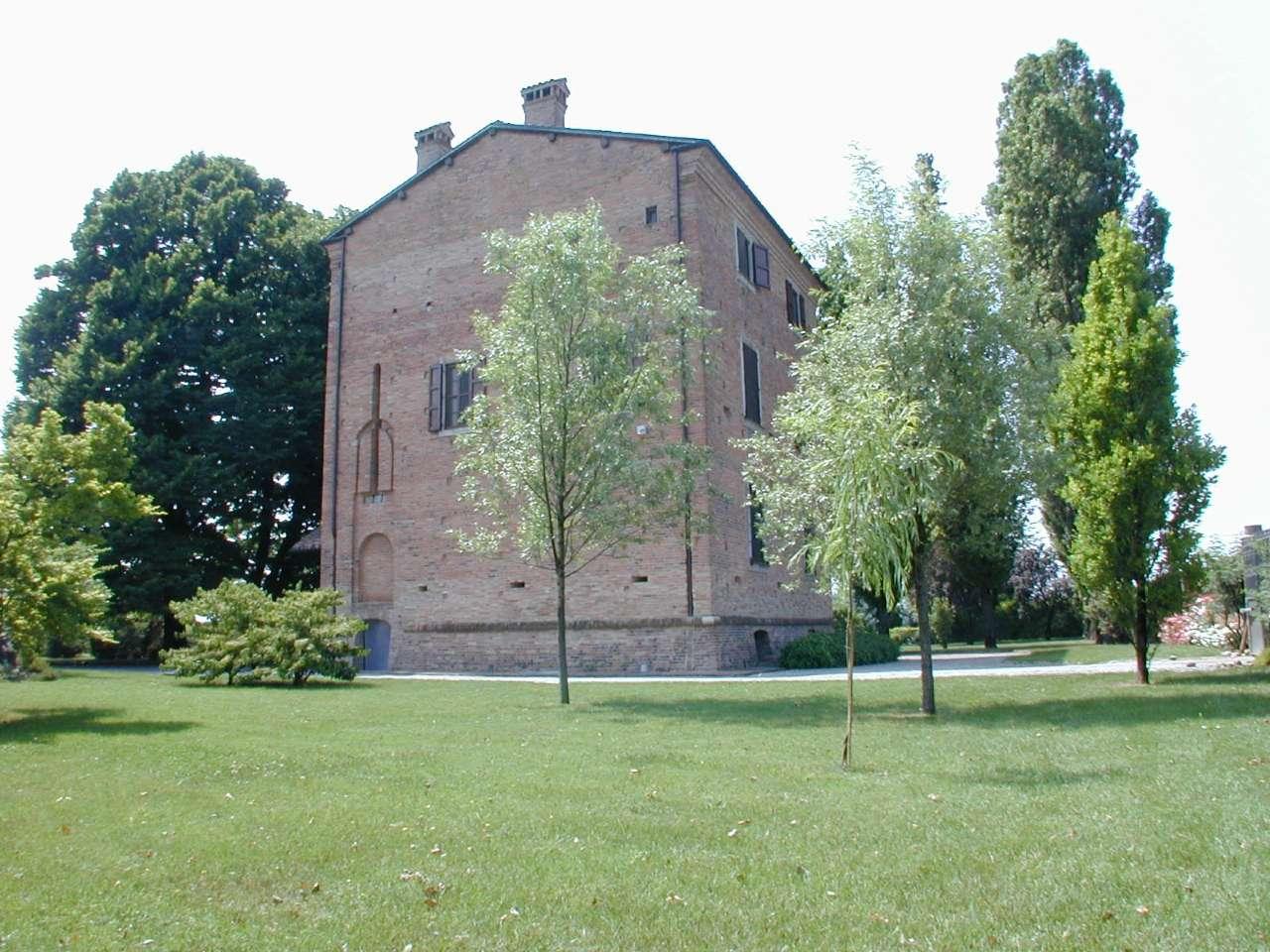 Palazzo / Stabile in vendita a San Pietro in Cerro, 10 locali, prezzo € 650.000 | CambioCasa.it