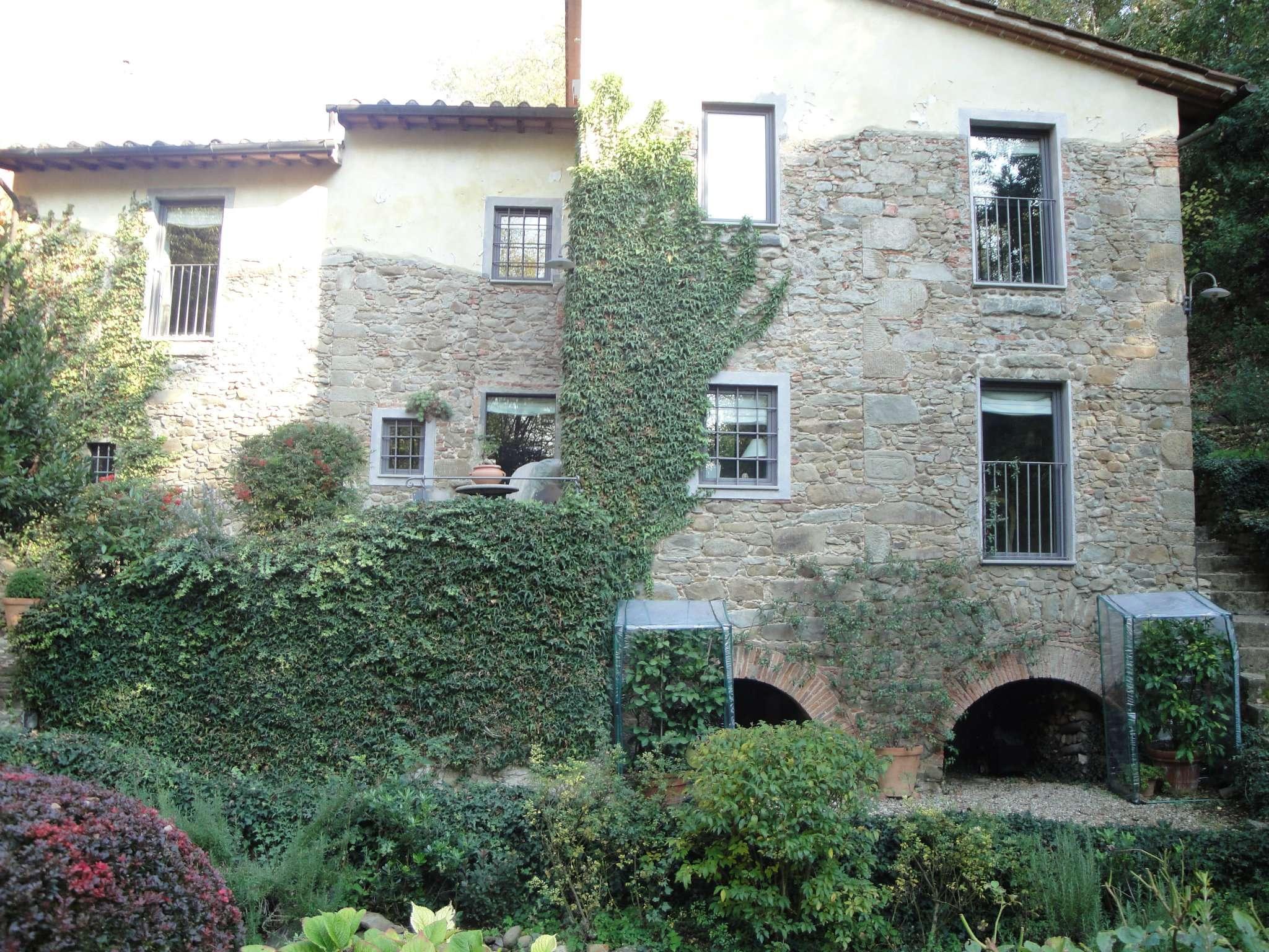 Villa in vendita a Vinci, 4 locali, prezzo € 380 | Cambio Casa.it