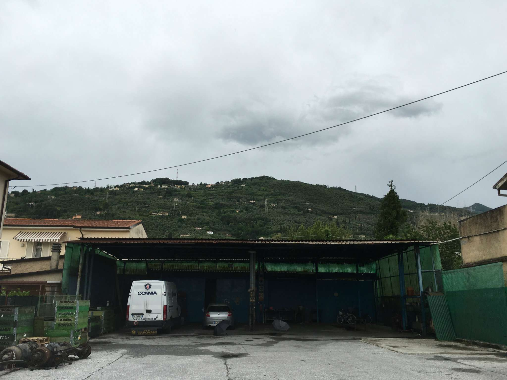 Capannone in Vendita a Pietrasanta