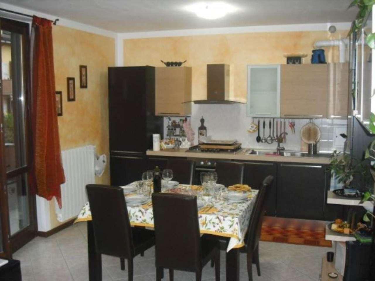 Appartamento in vendita a Carpiano, 2 locali, prezzo € 127.000 | Cambio Casa.it