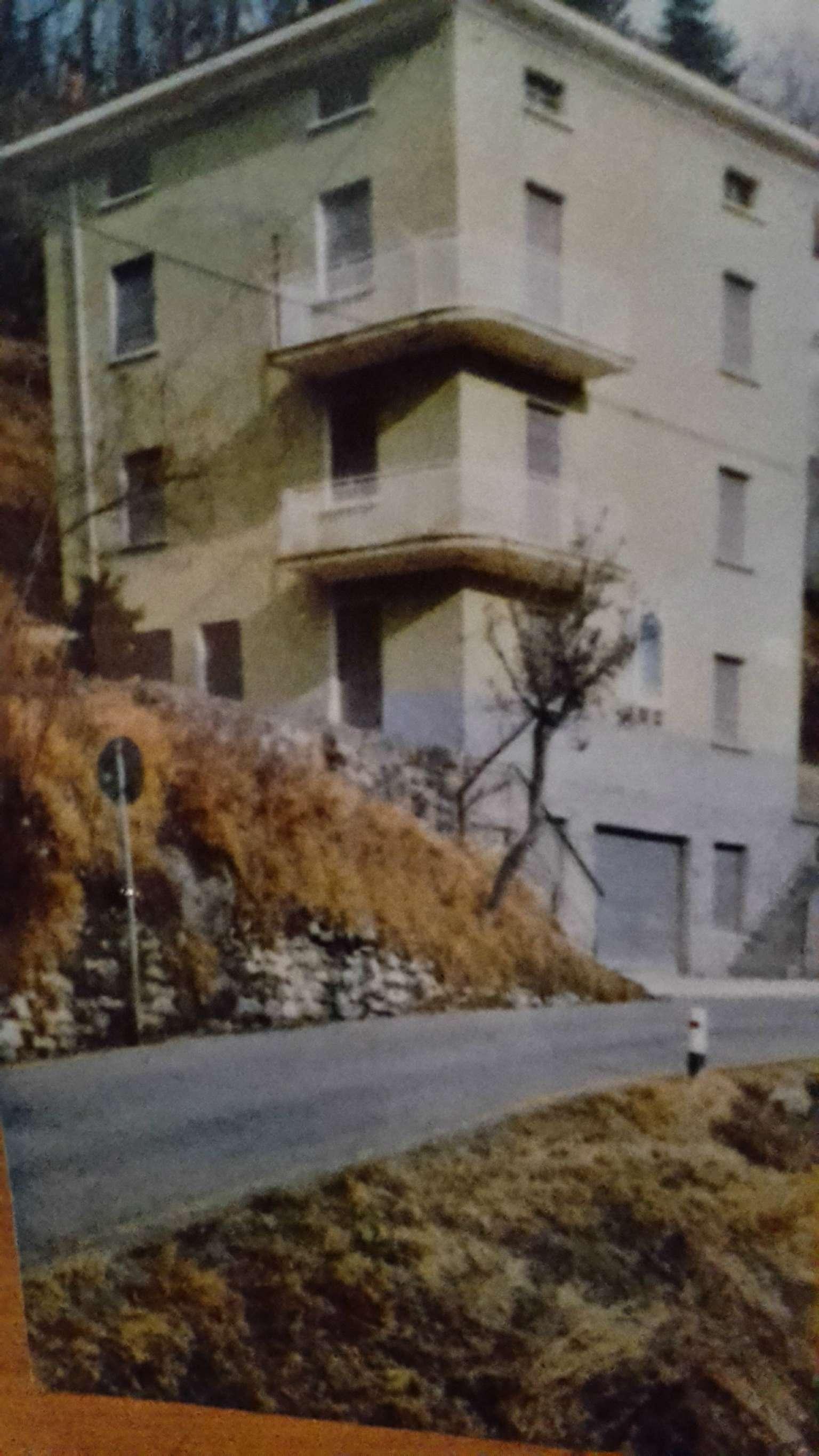 Appartamento in vendita a Rezzoaglio, 2 locali, prezzo € 60.000 | CambioCasa.it
