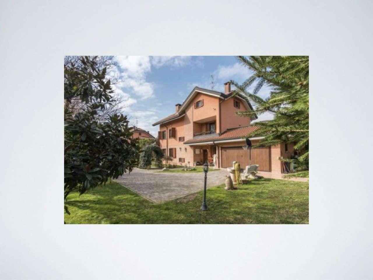 Villa in vendita a Segrate, 8 locali, prezzo € 1.600.000   CambioCasa.it