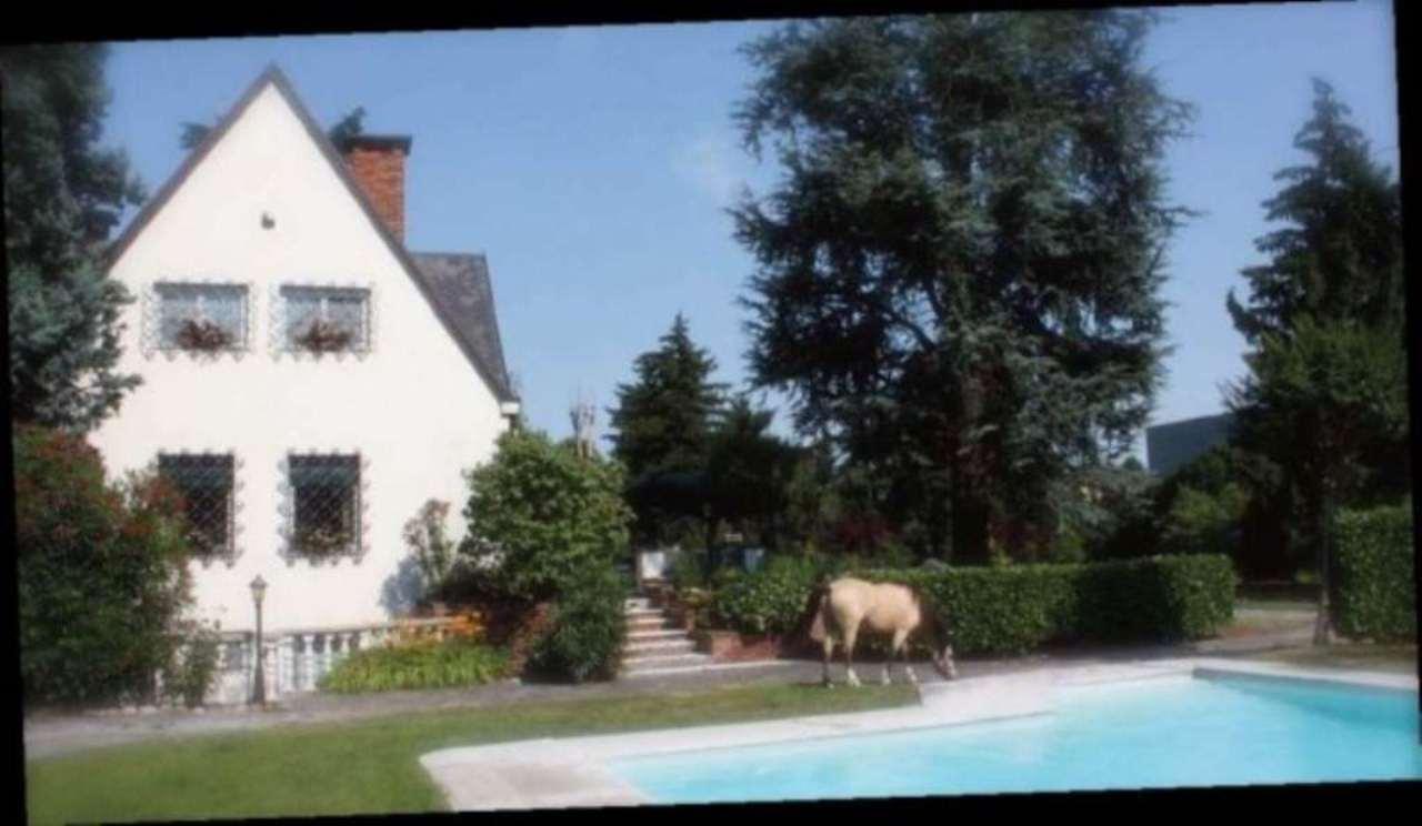 Appartamento in vendita a Carugate, 6 locali, prezzo € 1.880.000   Cambio Casa.it
