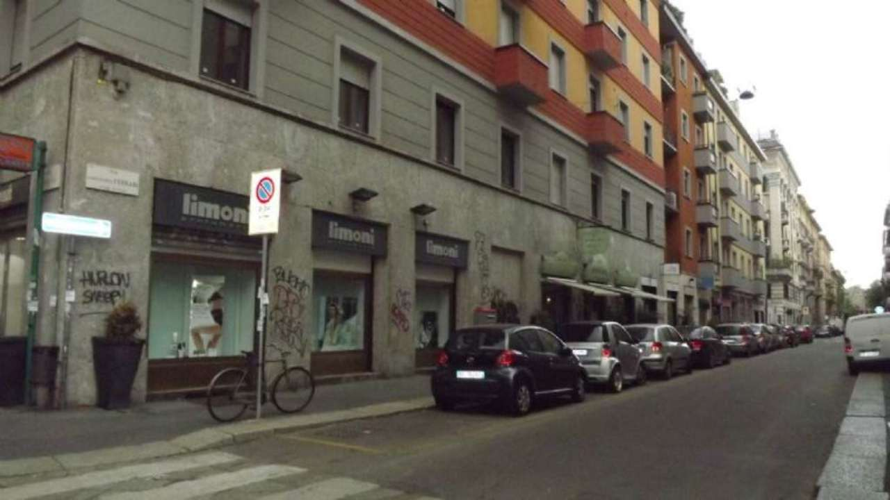 Bilocale Milano Via Cesare Da Sesto 11