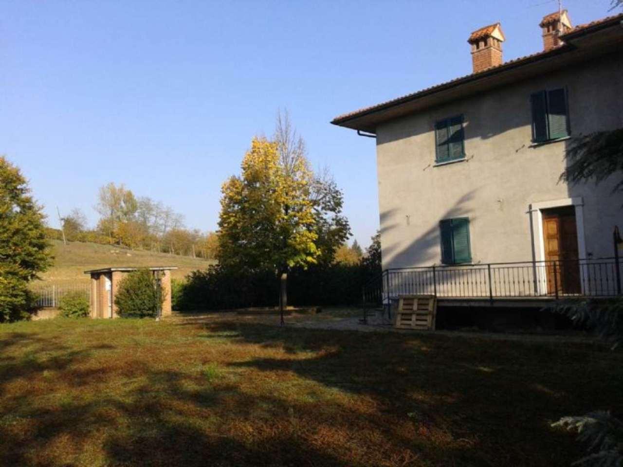Villa Bifamiliare in vendita a Montù Beccaria, 10 locali, prezzo € 350.000 | Cambio Casa.it