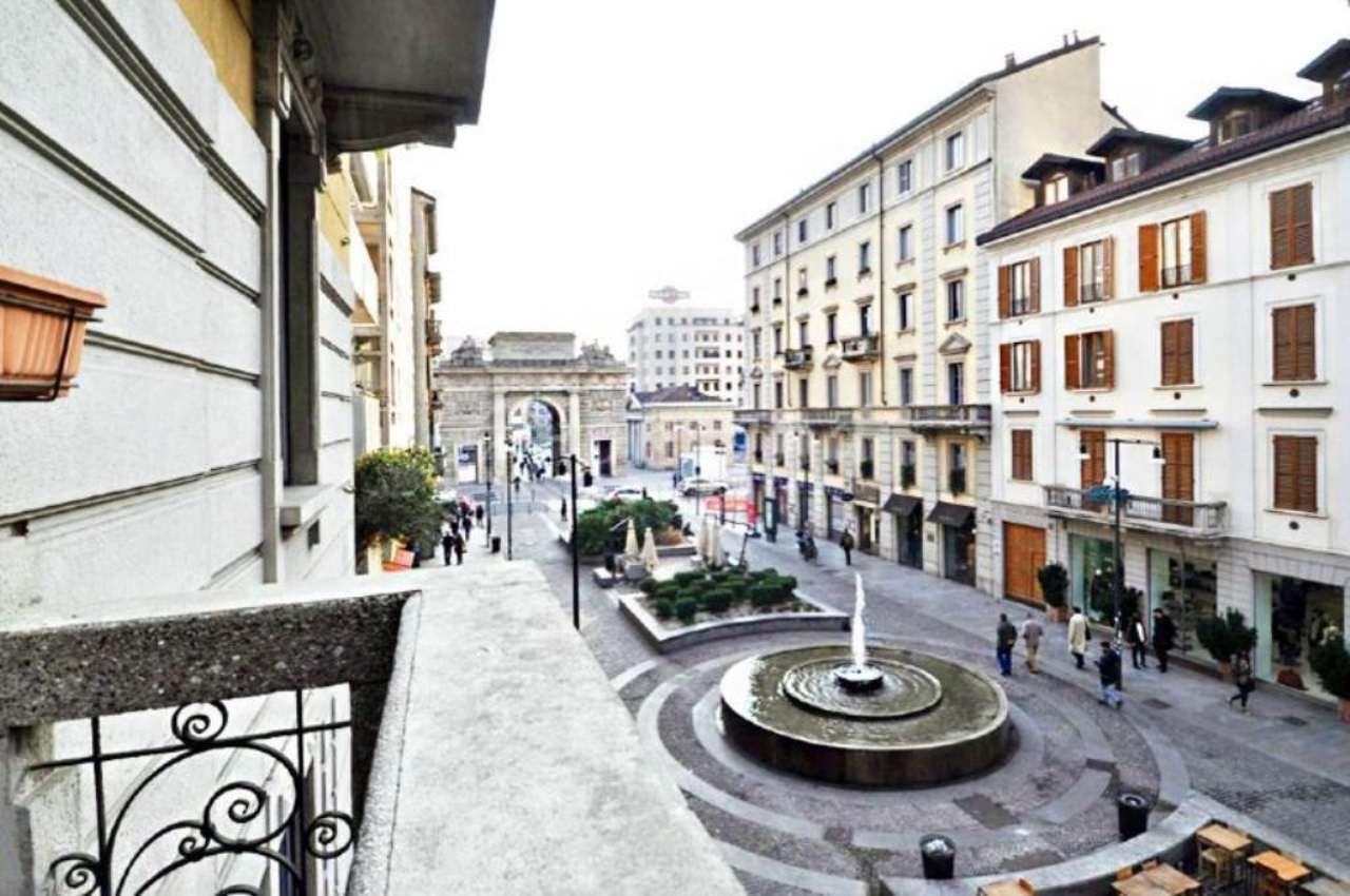 Bilocale Milano Corso Como 11
